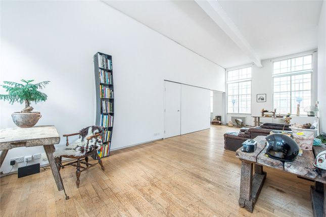 Thumbnail Flat to rent in Prince Of Wales Road, Kentish Town, London