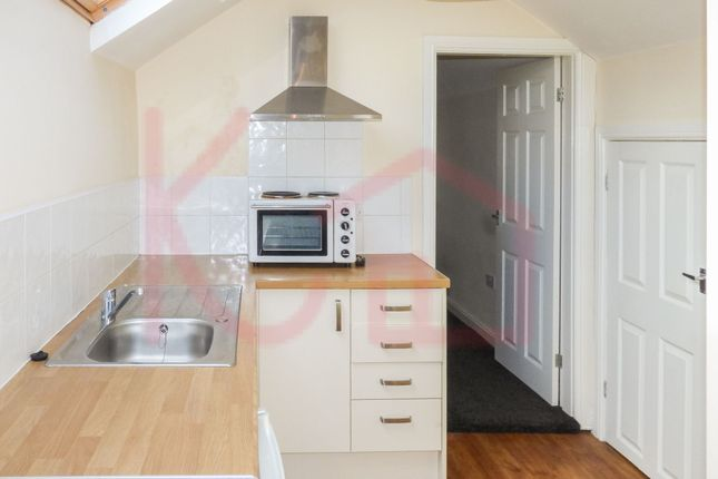 Thumbnail Studio to rent in Thorne Road, Doncaster