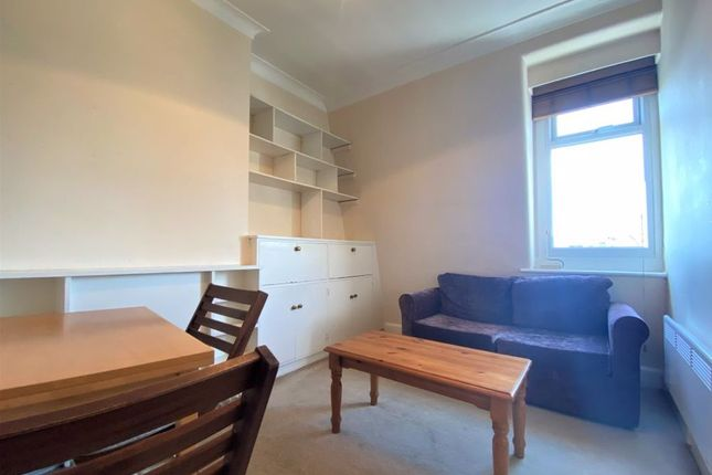 Thumbnail Flat to rent in Orme Court, London