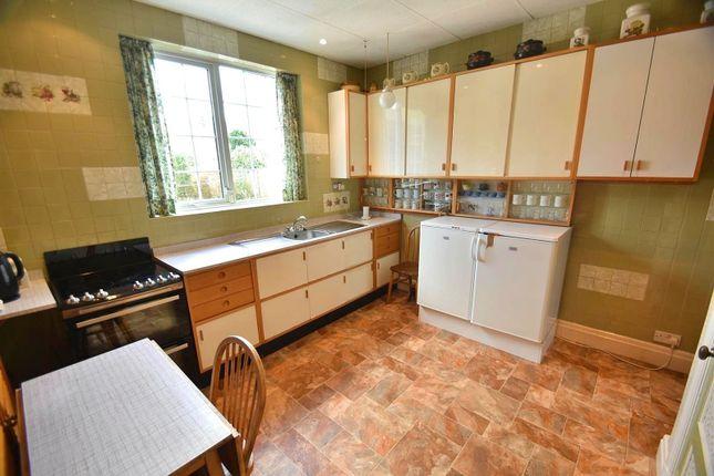 Kitchen of Framingham Road, Sale M33