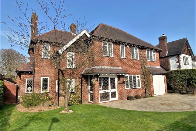 Thumbnail Detached house for sale in Broad Walk, Wilmslow