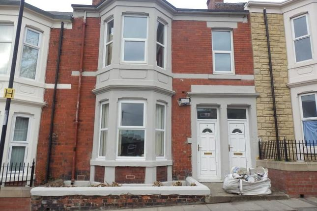 Thumbnail Flat for sale in Atkinson Terrace, Newcastle Upon Tyne