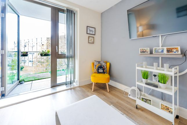 Flat for sale in The Grange, London