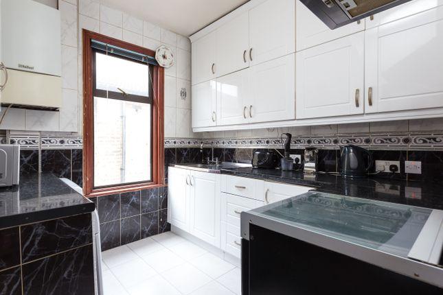 Thumbnail Flat for sale in Hardwicke Road, London