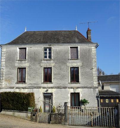 3 bed property for sale in Poitou-Charentes, Deux-Sèvres, Parthenay