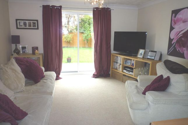 Thumbnail Property to rent in Saunders Close, Peterborough