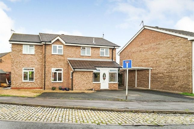 Thumbnail Detached house for sale in Falkland Road, Evesham, Worcestershire