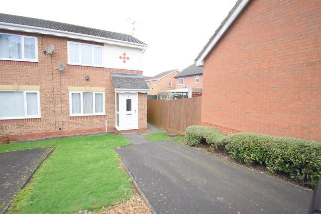 2 bed property to rent in Afan Close, Kettering NN16
