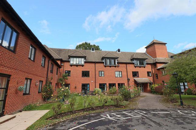 1 bed flat for sale in Farley Court, Church Road East, Farnborough GU14