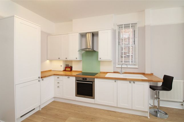 1 bed flat to rent in Lichfield Grove, Finchley, London N3