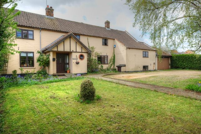 Thumbnail Detached house for sale in New Road, Belton