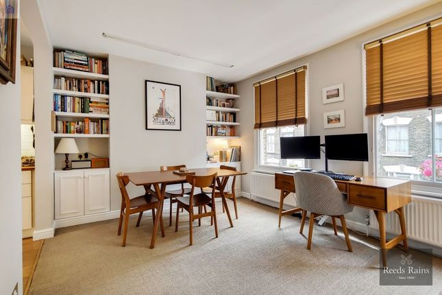 Thumbnail Flat for sale in Gaywood Street, London