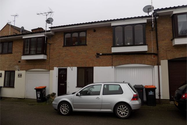 1 bed terraced house to rent in Old Chapel Mews, Leighton Buzzard, Bedfordshire LU7