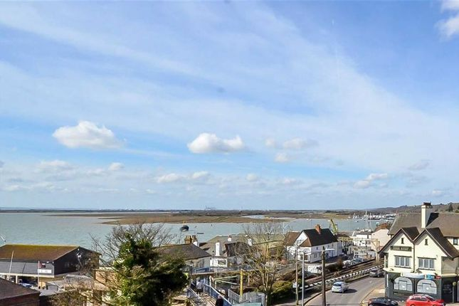 Thumbnail Flat for sale in The Bell, Leigh Hill, Leigh-On-Sea, Essex
