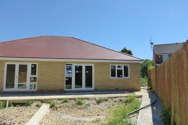 Thumbnail Bungalow to rent in Cutleaf Court, Woodston, Peterborough