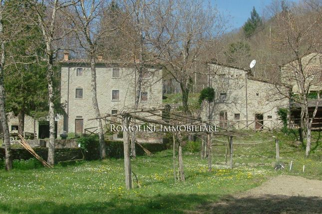 5 bed property for sale in Caprese Michelangelo, Tuscany, Italy
