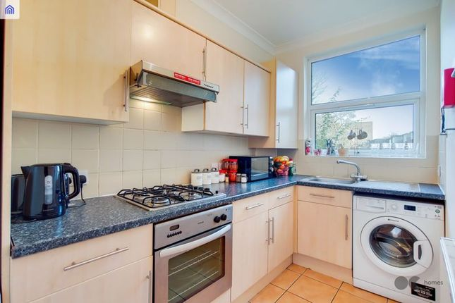 Thumbnail Flat to rent in Vicarage Road, London