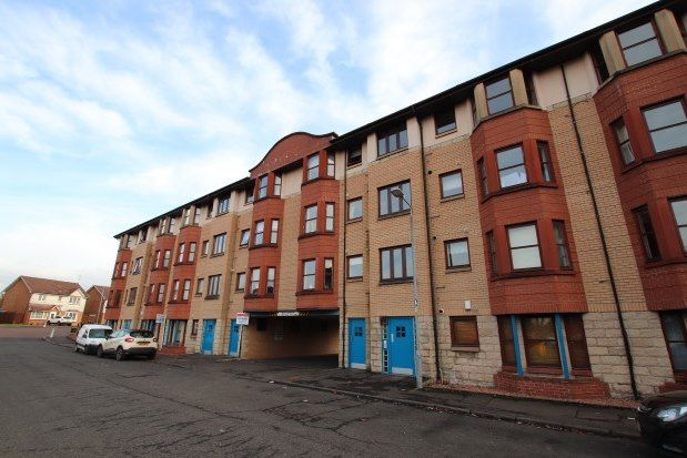 2 bed flat to rent in Park Street, Dumbarton G82