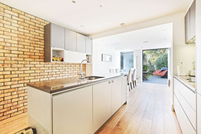 3 bed cottage to rent in Brook Road, St Margarets, Twickenham