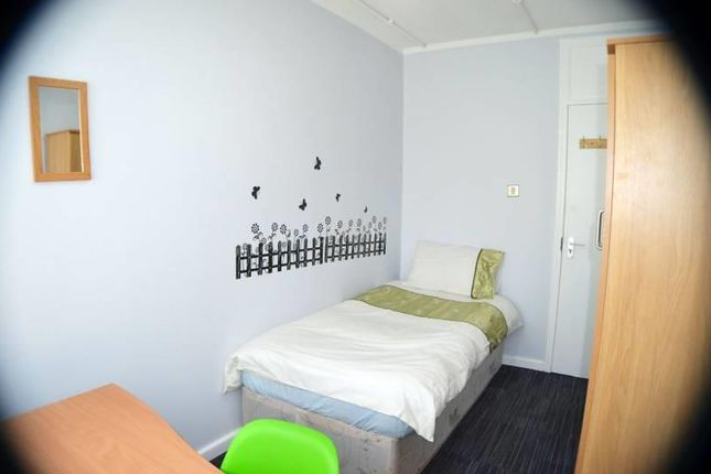 Thumbnail Flat to rent in Plymouth Grove, Manchester