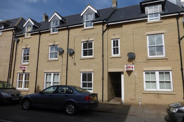 Thumbnail Town house to rent in Palmer Close, Ramsey, Huntingdon