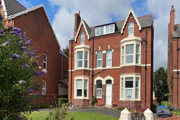 1 bed flat to rent in 21-23 Park Road, Lytham St. Annes FY8
