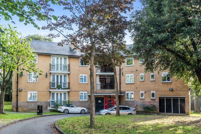 3 bed flat for sale in Sydenham Hill, London SE26