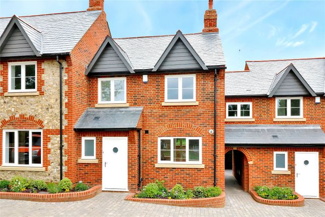 Thumbnail Terraced house for sale in The Street, Chipperfield, Kings Langley