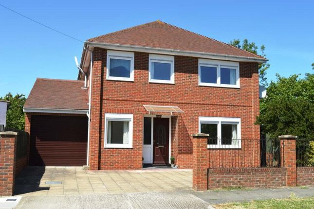Thumbnail Detached house to rent in Woodlands Avenue, Worcester Park