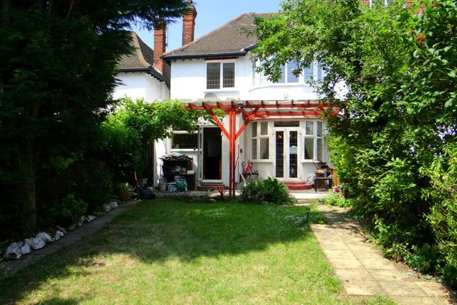 4 bed semi-detached house to rent in Highfield Avenue, London