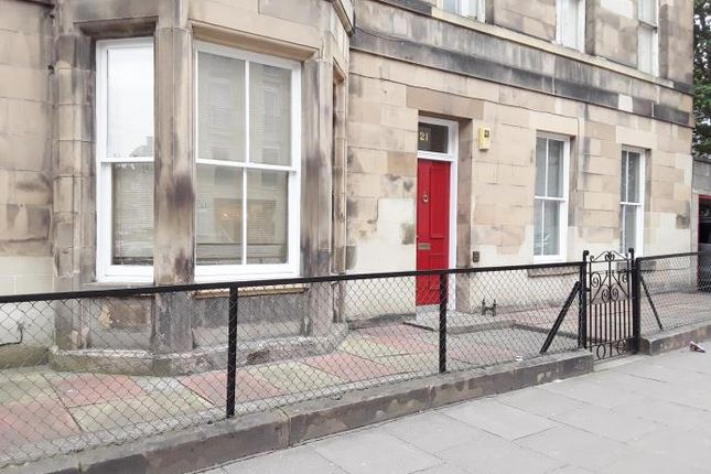 Thumbnail Flat to rent in Bernard Terrace, Newington, Edinburgh