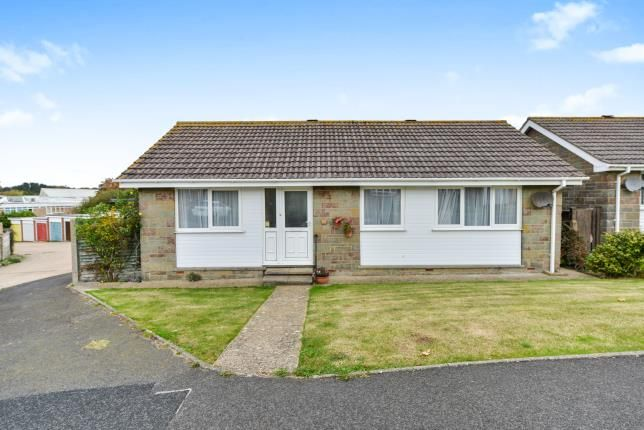 4 bed bungalow for sale in Perowne Way, Sandown