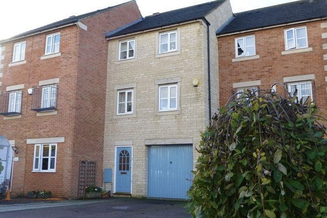 Thumbnail Property to rent in Lucerne Avenue, Bicester