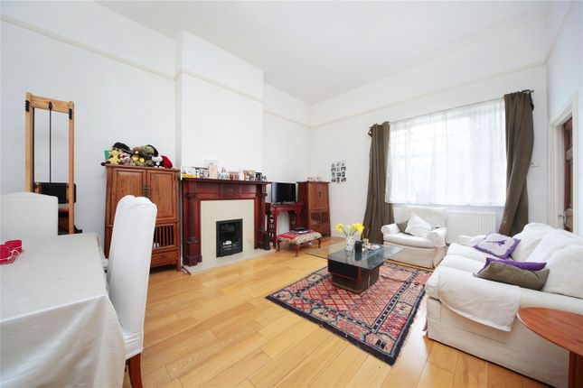 Thumbnail Flat to rent in Clapham Common North Side, Clapham, London