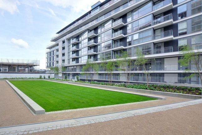 Picture No. 15 of Granite Apartments, 30 River Gardens Walk, Greenwich, London SE10