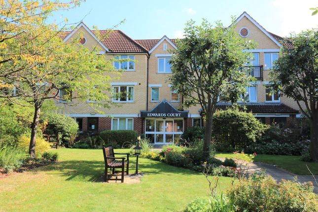 Thumbnail Property to rent in Turners Hill, Waltham Cross
