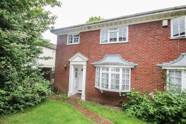 End terrace house to rent in Grosvenor Mews, Grosvenor Close, Southampton