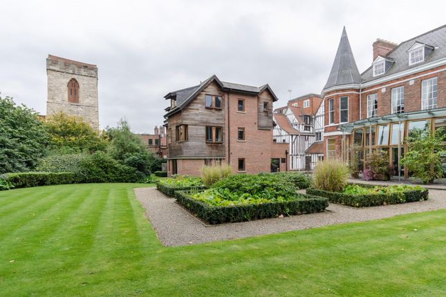 Thumbnail Flat for sale in Low Petergate, York
