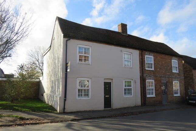 Semi-detached house in  Windmill Street  Brill  Aylesbury H Oxford
