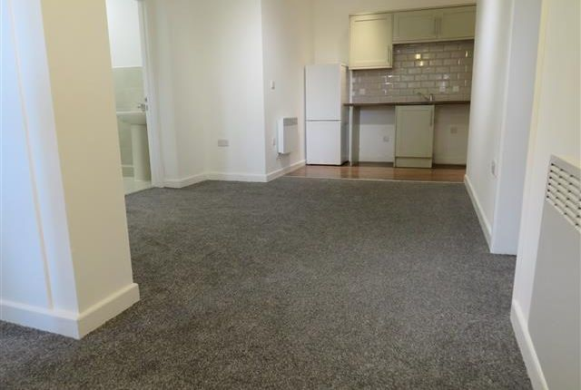 Thumbnail Flat to rent in Holdenhurst Avenue, Southbourne, Bournemouth