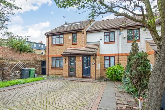 Thumbnail Terraced house for sale in Abbotswell Road, London