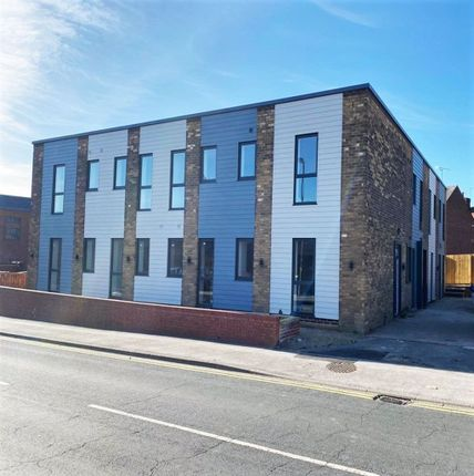 1 bed flat to rent in The Cube, Liquorice Way, Pontefract WF8