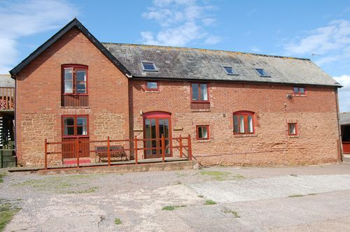 Thumbnail Flat to rent in The Granary, Pynes Farm, Poltimore, Devon