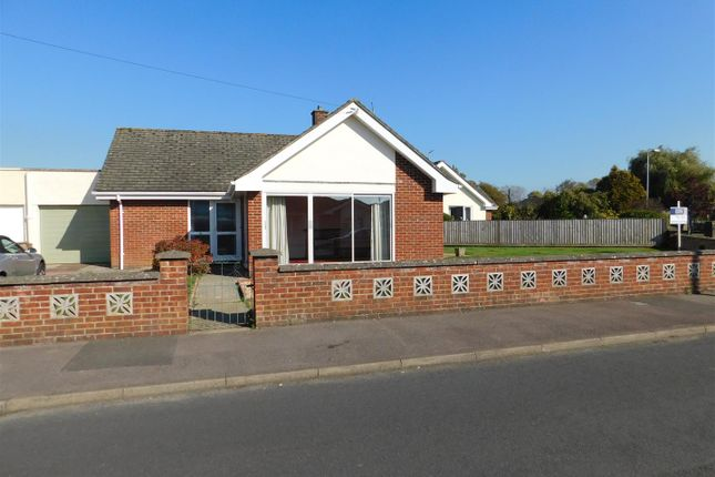 Thumbnail Bungalow for sale in Luckett Way, Calne
