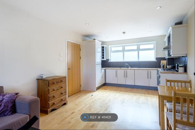 Thumbnail Flat to rent in Burnham Street, Kingston