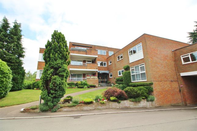 3 bed flat for sale in Darnhills, Radlett WD7