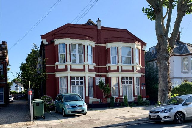 Picture No. 24 of Ailsa Road, Westcliff-On-Sea, Essex SS0