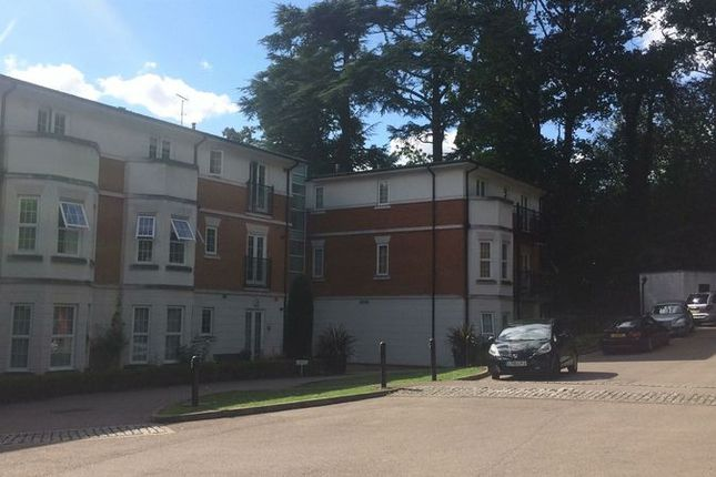 Thumbnail Flat to rent in Brookshill Gate, Brookshill, Harrow Weald, Middlesex
