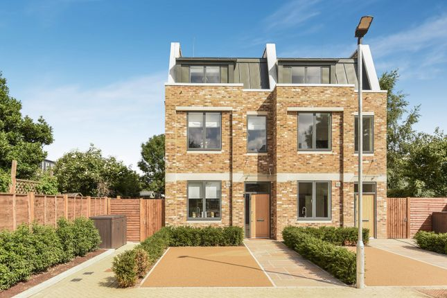Thumbnail Property for sale in Wellsborough Mews, Bushey Road