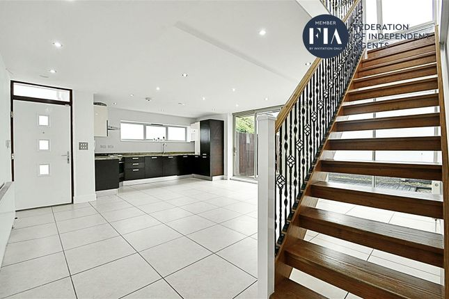 Thumbnail Property to rent in Manuka Close, Grosvenor Road, Hanwell